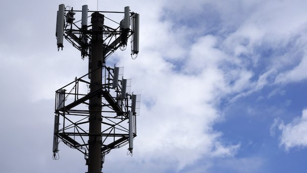 Telecom Egypt to pay $359 mn to offer mobile services