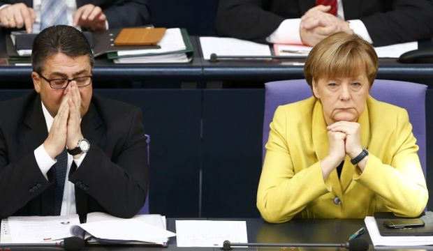German parliament approves Greece's bailout extension