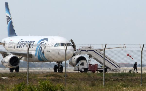 EgyptAir Hijack Ends with Passengers Freed Unharmed, Suspect Arrested