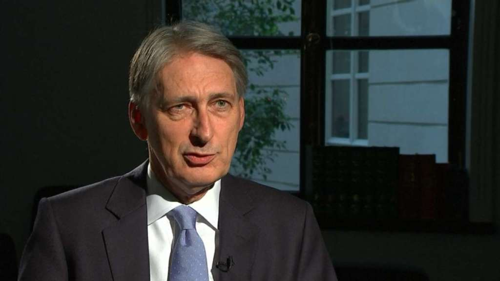 Hammond: 'Britain May Reset Fiscal Policy after Brexit'