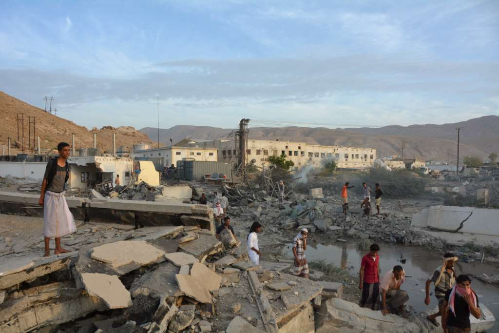 Yemen's National Army Pushes Al Qaeda Fighters from 2 Cities, About 40 Dead
