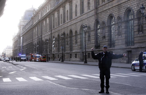 Machete Attacker Shot and Wounded at Louvre in Paris