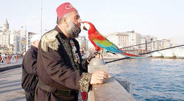 Istanbul's Pasha and his Parrot: Talk of the Town