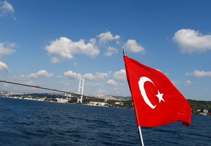 Russian Tourists Top List of Foreign Visitors to Turkey