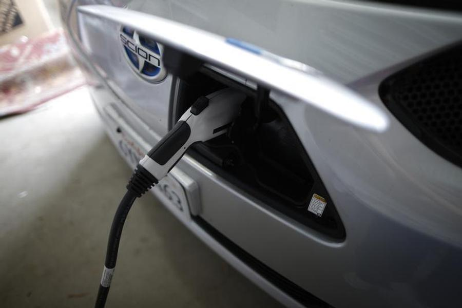Electric Vehicles on Roads Reach Two Million, Says IEA