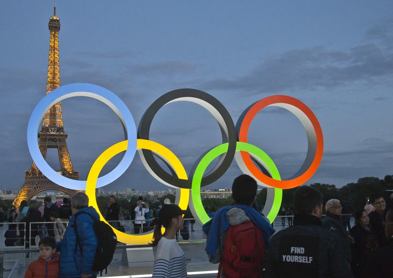 The Olympic rings are set up on Trocadero plaza that overlooks the Eiffel Tower, a day after the official announcement that the 2024 Summer Olympic Games will be in the French capital, in Paris, France, Thursday, Sept. 14, 2017.