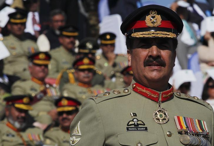 General Sharif Says Terrorists Restrict Attack Strategy to Smaller Rings