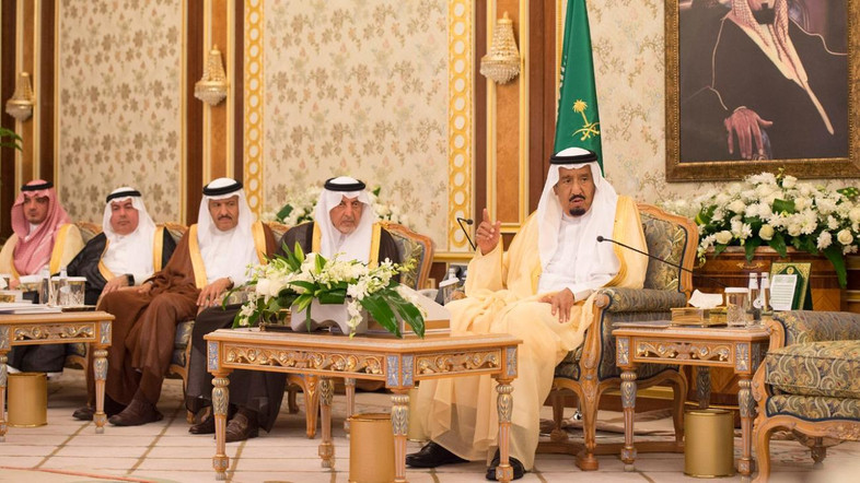 King Salman was briefed on the New Taif projects by Advisor to Governor of Makkah Region Dr. Saad Mohammad Mareq. (SPA)